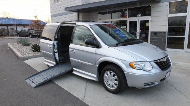 2007 Chrysler Town and Country  Wheelchair Van For Sale