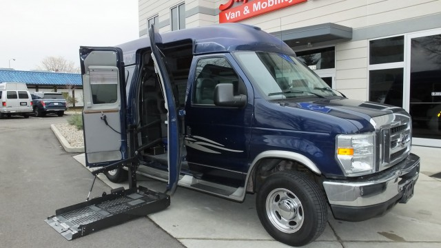 2008 Ford Econoline  Wheelchair Van For Sale